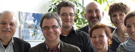 Gruppenbild mit sieben erwachsenen Personen.