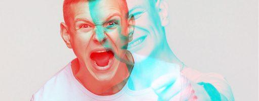 Gesicht eines wütenden und eines freundlichen jungen Mannes übereinandergelegt; Symbolbild für die Tagung Digital 2020 - Corona